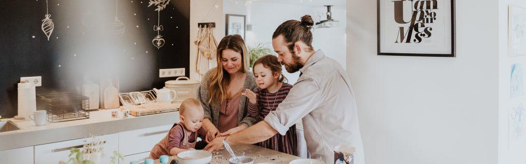 Familienfoto Neugeborenes in Farbe Essen